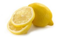 Il limone ci permette di ottenere acqua alcalina in modo semplice e a basso costo ma l'azione anti-ossidante è scarsa e neanche lontanamente paragonabile a quella dell'acqua alcalina ionizzata; inoltre può rovinare lo smalto dei denti