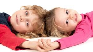 Carie e tonsille infiammate nei bambini sono molto spesso dovute ad un eccesso di acidi. Assumendo acqua alcalina ionizzata la situazione può migliorare sensibilmente.