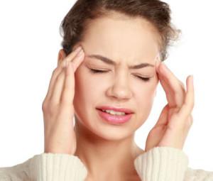 Mal di testa o cefalea: l'acqua alcalina ionizzata può dare beneficio