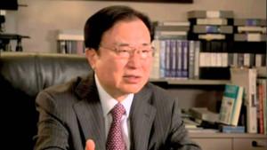 Dr. Hiromi-Shinya: l'acqua alcalina ionizzata offre un validissimo aiuto per ripulire l'intestino da depositi fecali che intossicano continuamente l'organismo.