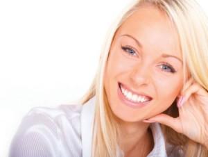 Tartaro dentario: l'acqua alcalina ionizzata può aiutare.