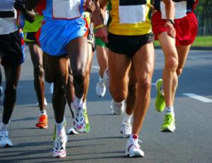 Gli sportivi che bevono acqua alcalina dichiarano di essere più resistenti alla fatica, di avere un ritmo cardiaco più basso durante la performance fisica, e di ridurre significativamente i tempi di recupero